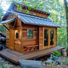 Small house to build low on wheels - Mobile home cheap .- Kleines Haus auf Rädern günstig bauen – Mobiles Haus günstig selber herstelle… Building a cheap house on wheels – making a cheap house yourself – buying Tiny House in Germany - Tiny House Swoon, Tiny House Living, Tiny House Plans, Tiny House Design, Cabin Design, Tiny House On Trailer, Villa Design, Roof Design, Life Design