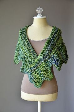 Ravelry: Cog Shawlette pattern by Amy Gunderson
