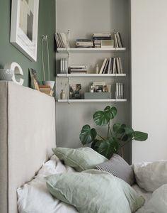 Sage Bedroom, Box Bedroom, Small Room Bedroom, Room Ideas Bedroom, Small Rooms, Mint Bedroom Walls, Bedroom Inspo, Master Bedroom, Green And White Bedroom
