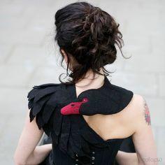 Schwanen-Schal aus Filz / black swan felted wool scarf, stole made by celapiu via DaWanda.com