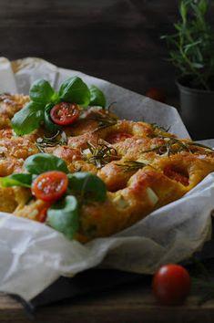 Kakkuviikarin vispailuja!: Focaccia Vegetable Pizza, Tacos, Mexican, Vegetables, Ethnic Recipes, Food, Food Cakes, Amazing, Recipes