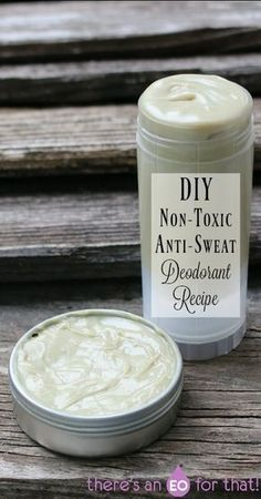 The best DIY projects & DIY ideas and tutorials: sewing, paper craft, DIY. Natural & DIY Skin Care : DIY Non-Toxic Anti-Sweat Deodorant Recipe -Read Diy Cosmetic, Diy Peeling, Homemade Deodorant, Coconut Oil Deodorant, Diy Natural Deodorant, Home Made Deodorant Recipes, Homemade Toothpaste, Homemade Soaps, Piel Natural
