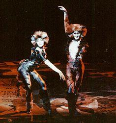 Cats- Kati Farkas, Musicaldarstellerin, Choreografie, Sprecherin, native speaker, ungarisch, Sängerin, Jazzband, Musical