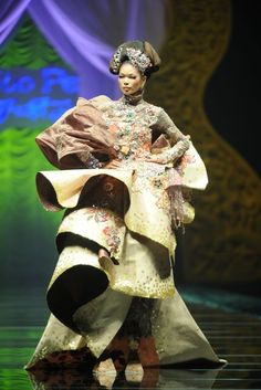 One of Guo Pei designs at Beijing's National Stadium for China Fashion Week 2009
