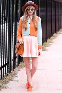 From steffysprosandcons.blogspot.fr Colour blocking at its best!