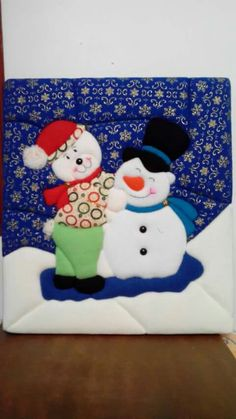 Manualidades Felt Christmas Decorations, Snoopy, Character, Scrappy Quilts, Christmas Crafts, Things To Do, Christmas Crafts, Felting, Ornaments