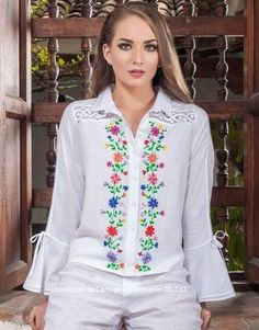BLUSAS - PRIMAVERAL Bordados y Accesorios Girls Blouse, Embroidery Designs, Ideias Fashion, Fashion Dresses, Tunic Tops, Plus Size, Clothes For Women, Lady, My Style
