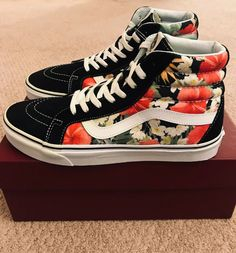 b089e0339e0c41 BRAND NEW VANS SK8-HI REISSUE DIGI ALOHA BLACK TRUE WHITE SZ US M 10 US W  11.5  VANS  AthleticSneakers
