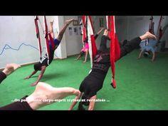 Pilates Aérien: Posture Acrobatique, la Planche sur la Balançoire. | Yoga Aerien by AeroYoga®, PILATES ET YOGA AERIEN DNAS L'AIR DNAS UN HAMAC, #aeroyoga #yogaaerien #hamacyoga #acrobatique #yoga #pilates #wellness #bienêtre #exercice #pilates #aerien