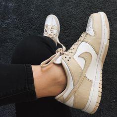 Sneakers women - Nike Dunk low (©otatie)