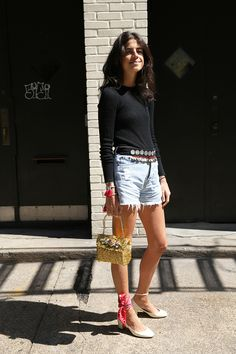 39 ideas how to wear a scarf men style leandra medine Leandra Medine, Daily Fashion, How To Wear Loafers, Street Style, How To Wear Scarves, Looks Style, Look Cool, Spring Summer Fashion, Ideias Fashion