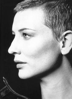 bohemea:Cate Blanchett - W by Michael Thompson, January 2001 Cate Blanchett, Pixie Styles, Short Hair Styles, Style Androgyne, Michael Thompson, Shaved Head, Celebrity Gallery, Catherine Deneuve, Celebrity Portraits