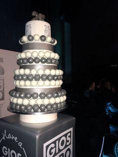 Nuestra tarta de Aniversario. Rica y preciosa ;)
