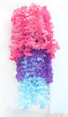 Craftaholics Anonymous®   Lei Chandelier Party Craft. ☀CQ #crafts #DIY