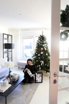Ikea Duktig -leikkikeittiö goes Dean & DeLittle - Homevialaura Winter Christmas, Merry Christmas, Holiday, Playroom, Most Beautiful, Christmas Decorations, Presents, Blog, Home Decor