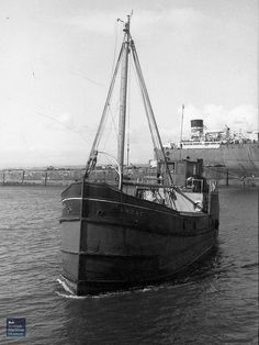 Boating Fun, Steam Boats, Fishing Vessel, Boat Art, Cool Boats, Navy Ships, Model Ships, Fishing Boats, Brewery