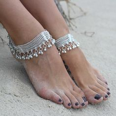 Beautiful silver tone chain anklet from India Ankle Jewelry, Ankle Bracelets, Cute Jewelry, Body Jewelry, Jewellery, Gold Anklet, Silver Anklets, Beaded Anklets, Women's Anklets