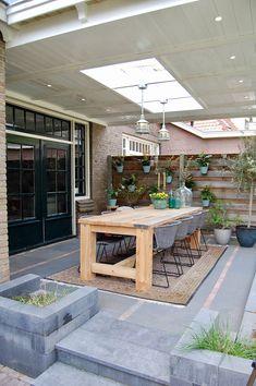 Outdoor Tables, Patio Table, Outdoor Decor, Backyard Patio Designs, Backyard Landscaping, Extension Veranda, Backyard Sitting Areas, Veranda Design, Budget Patio
