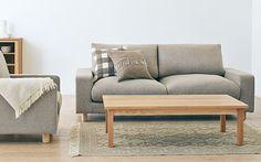 ナチュラルな素材感でどんなお部屋にも合わせやすいのが無印良品のソファの良いところ。