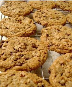 Quick and Easy Recipe – Healthy Chocolate Pecan Cookie Muesli Cookies, Pecan Cookies, Oatmeal Chocolate Chip Cookies, Cookies Healthy, Yummy Cookies, Healthy Desserts, Healthy Recipes, Tortas Light, Cookies Light