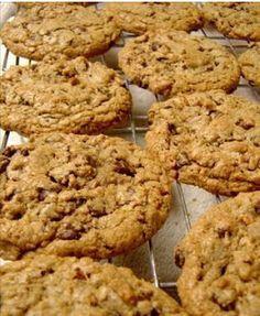 Quick and Easy Recipe – Healthy Chocolate Pecan Cookie Cookies Healthy, Yummy Cookies, Healthy Desserts, Dessert Recipes, Healthy Recipes, Oatmeal Cookie Recipes, Oatmeal Chocolate Chip Cookies, Tortas Light, Muesli Cookies