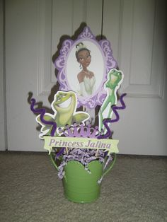 Disney Party Ideas: The Princess and the Frog Party Centerpiece Baby Shower Princess, Princess Birthday, Princess Party, Girl Birthday, Disney Princess, Frog Birthday Party, 6th Birthday Parties, Birthday Ideas, Butterfly Party Decorations
