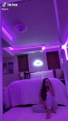 Cute Bedroom Ideas, Cute Room Decor, Room Ideas Bedroom, Teen Room Decor, Girl Bedroom Designs, Neon Bedroom, Neon Lights Bedroom, Indie Room, Chill Room