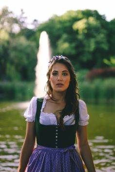Pričeske Za Dirndl Kako Se Urediti Za Festival, Dirndl Haarkranz We are Flowergirls Auf Der Alm, Dirndl Haarkranz, Cool Easy Hairstyles, Models, Real People, Girls, Hair Styles, Instagram, Collection, Location, Up