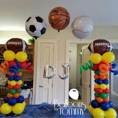 Combine multiple sports for a all encompassing sports theme! Football, soccer, basketball, and baseball balloons arch over these colorful balloon columns to create an arch for the birthday celebrant! Sports Themed Birthday Party, Ball Birthday Parties, Football Birthday, Sports Party, Football Soccer, Birthday Ideas, 10th Birthday, Soccer Ball, Balloon Columns