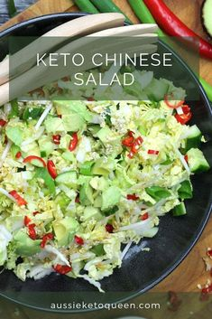 Delicious Ketp Chinese Pulled Pork on the table with 5 minutes preparation. Serve with a quick and crunchy Chinese salad for a complete, keto friendly meal. Salad Recipes Low Carb, Cabbage Salad Recipes, Easy Healthy Recipes, Easy Meals, Broccoli Recipes, Healthy Food, Keto Side Dishes, Vegetable Side Dishes, Side Dish Recipes
