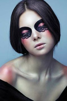 Alisa Astrouskaya is the artist behind the makeup in 'YOUAREWOW' by Lena Erysheva; the model's name is Zu