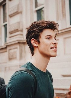 Image about beautiful in Shawn Mendes by Nadine Shawn Mendes Lindo, Shawn Mendes Camila Cabello, Shawn Mendes Tumblr, Shawn Mendes Cute, Shwan Mendes, Mendes Army, Shawn Mendes Wallpaper, Mtv, Fangirl