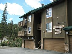 Where To Stay: conveniently located walking distance to the lifts at Canyon Lodge. Offers garage parking, an indoor spa, laundry facilities and scenic mountain views. Near the free shuttle bus route for easy access to town.