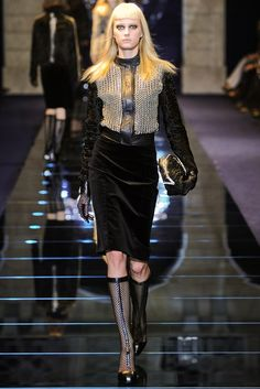 Versace Fall 2012 Ready-to-Wear Fashion Show - Sigrid Agren
