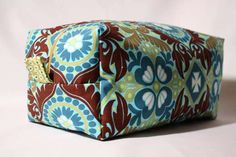 vinyl-lined cosmetic bag. This would make a great gift