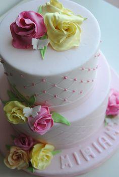 Dummy Cake http://3gufettisulcomo.blogspot.it/2016/06/sweet-table-per-una-prima-Comunione.html