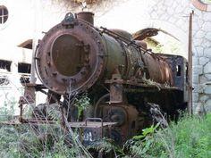 http://www.retronaut.co/2011/10/abandoned-steam-engines-argolis-greece/