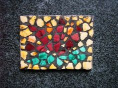 how to: mini mosaic using egg shell pieces