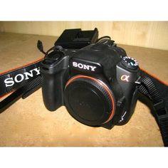 Cámara Sony DSLR A350 [Sólo la cámara, sin óptica] - Sensor: CCD - Filtro RGB APS-C (recorte 1.5x) 23.6 x 15.8 mm - 14,2 Mp - Pantalla articulable - Flash incluido - Cargador, correa y batería incluido Funciona perfectamente.