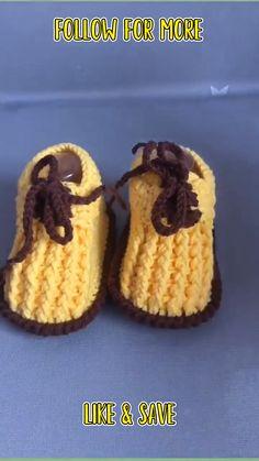 Crochet Gifts, Cute Crochet, Crochet Yarn, Easy Crochet, Crochet Stitches For Beginners, Beginner Crochet Projects, Crochet Videos, Crochet Baby Shoes, Crochet Baby Clothes
