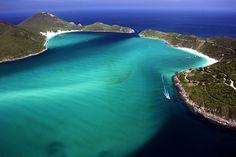 8-lugares-para-conhecer-em-arraial-do-cabo (via Guia Viajar Melhor)