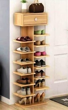 Whichever shoe storage ideas you choose in consider not only their functionality, but also their home decor wow factor.f you love the industrial décor look, this is a great DIY shoe rack to…Daha fazlası Diy Shoe Rack, Wood Shoe Rack, Shoe Shelf Diy, Shoe Rack Closet, Wood Shoe Storage, Room Closet, Shoe Storage For Front Door, Shoe Racks For Closets, Shoe Rack Pallet