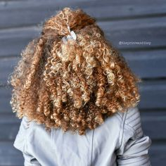 Hair Color Light Blonde Curls 63 Ideas For 2019 Ombre Curly Hair, Dyed Hair, Curly Hair Styles, Natural Hair Styles, Dyed Natural Hair, Natural Curls, Pelo Afro, Big Chop, Natural Hair Inspiration