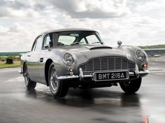 Stoll vettle db5 stunts James Bond Cars, James Bond Movies, Watch F1, Aston Martin Cars, F1 Drivers, Car In The World, Retro Cars, Stunts, Antique Cars