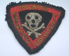 original vietnam american war vintage skull and crossed bones cloth patch ~ Vietnam War Photo Vietnam, Vietnam War, Military Units, Military History, Embroidery Scarf, Skull Pictures, Green Beret, Vintage Patches, Clothing Patches