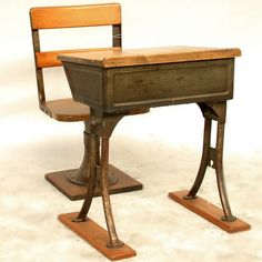 old school desk - actually sat in one of these Antique School Desk, Old School Desks, Old School House, Vintage School, Student Chair, Mesas Para Baby Shower, Home Desk, Catholic School, Home Decor Furniture