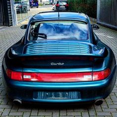 Another beautiful whale!   Picture Credit: @911mechaniker  Model: Porsche 993 Turbo Engine: 3.6 litre - flatsix (n.a./Turbo) Power: 408 PS Torque: 540 Nm Transmission: 6 speed - Manual 0 - 100 km/h: 4.5 sec. Topspeed: 290 km/h Price: 150.000 - 200.000€ Follow our Partnerpage @trackspirit too! #porsche #911 #993 #turbo #supercar #hypercar #passion #racing #porscheist #goodlife #Hot #racecar #instacar #speed #v911legendsneverdie #beautiful #beauty #911lnd #hypercar #racing #991 #vintage…