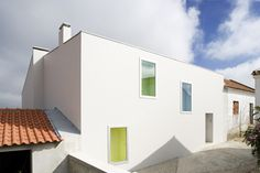 house-at-sobral-da-lagoa-by-bak-gordon-04608pr080630_002d.jpg