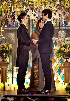 I love them forever ♾ malec Shadowhunters Malec, Shadowhunters The Mortal Instruments, Mathew Daddario, Dark Romance, Magnus And Alec, Cassandra Clare Books, Culture Pop, Alec Lightwood, Angels And Demons