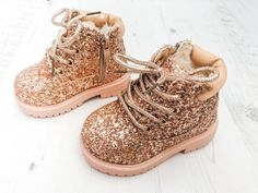 Cute Baby Shoes, Cute Baby Girl, Cute Baby Clothes, Cute Babies, Baby Boy, Baby Girl Fashion, Toddler Fashion, Kids Fashion, Fashion Clothes